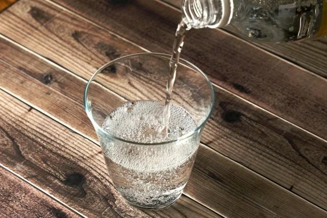 350mlのペットボトル炭酸水を販売してください!